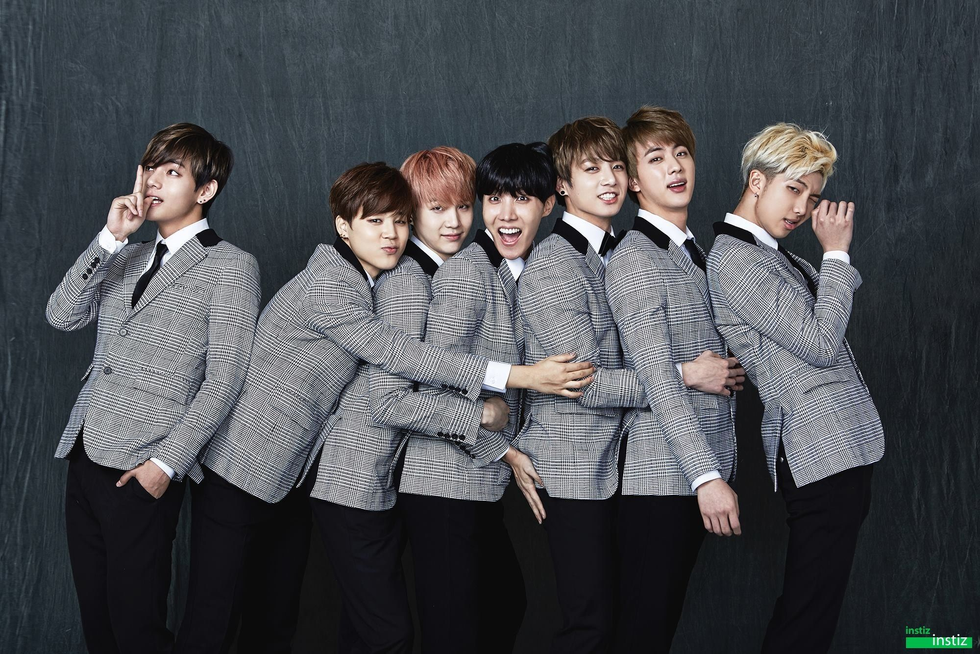 Bts Proves To Be A True Close Knit Idol Group With Their Family Shoots Bangtan Boys Bangtan Bts 2015