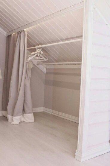 Romantic vinokatto matala katto säilytys sisustus makuuhuone