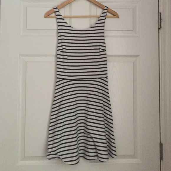 cross back skate dress White and dark grey stripes! Still in good condition, looks super cute and fits really nicely American Eagle Outfitters Dresses Mini