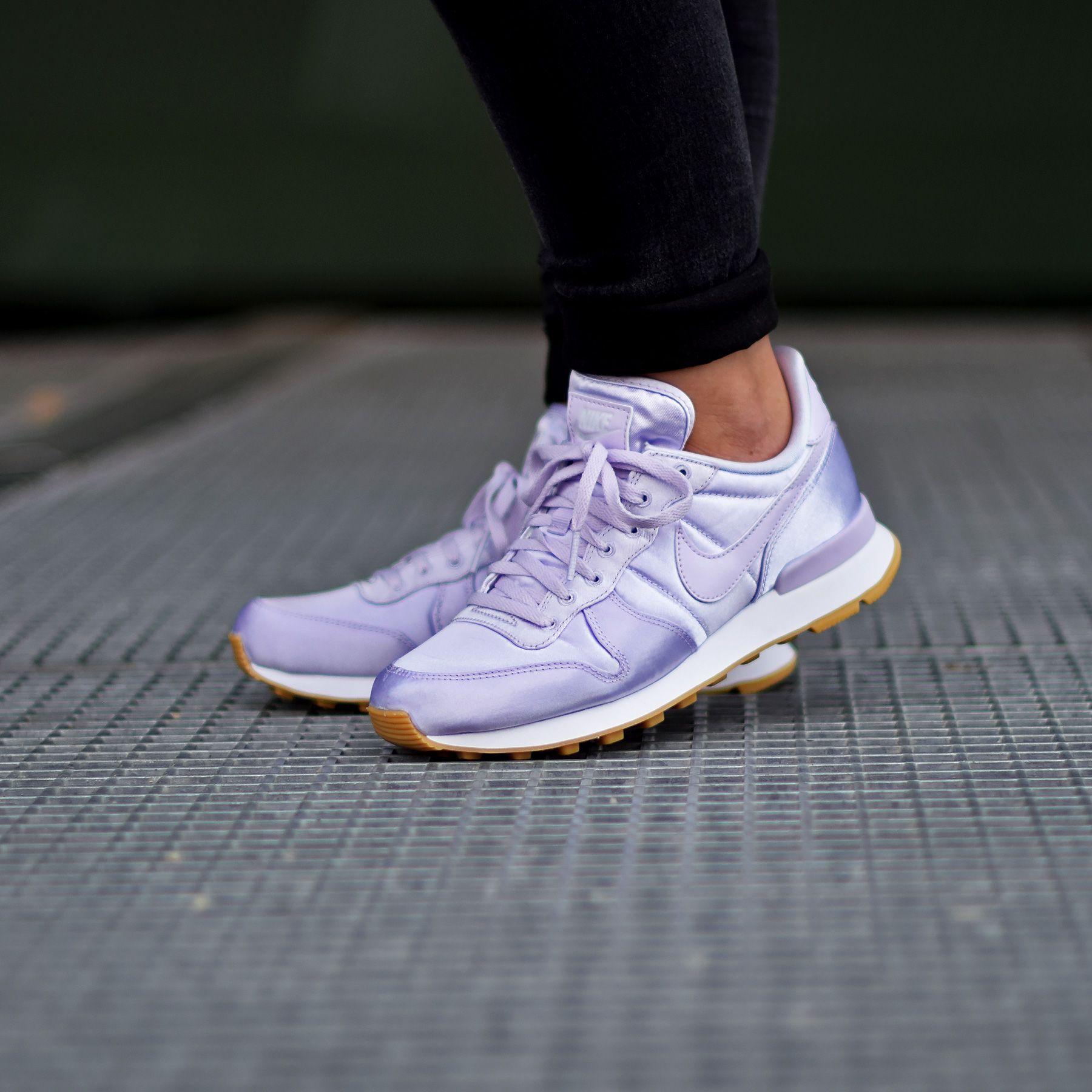 Nike W Internationalist Satin - Barely