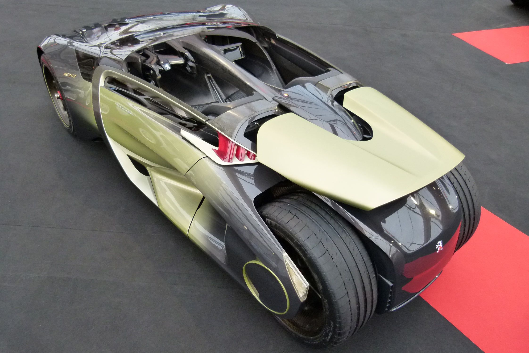 Peugeot Ex1 I Want Pinterest Cars And Concept The Bmw I1 Is An Electric Singleseater Trikecar By Designer Trucks Car Vehicle Super