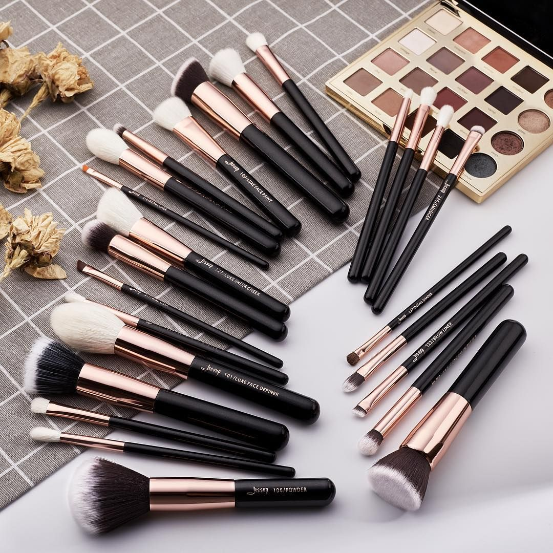 Classic black 25pcs cosmetic brushes set, it's the best