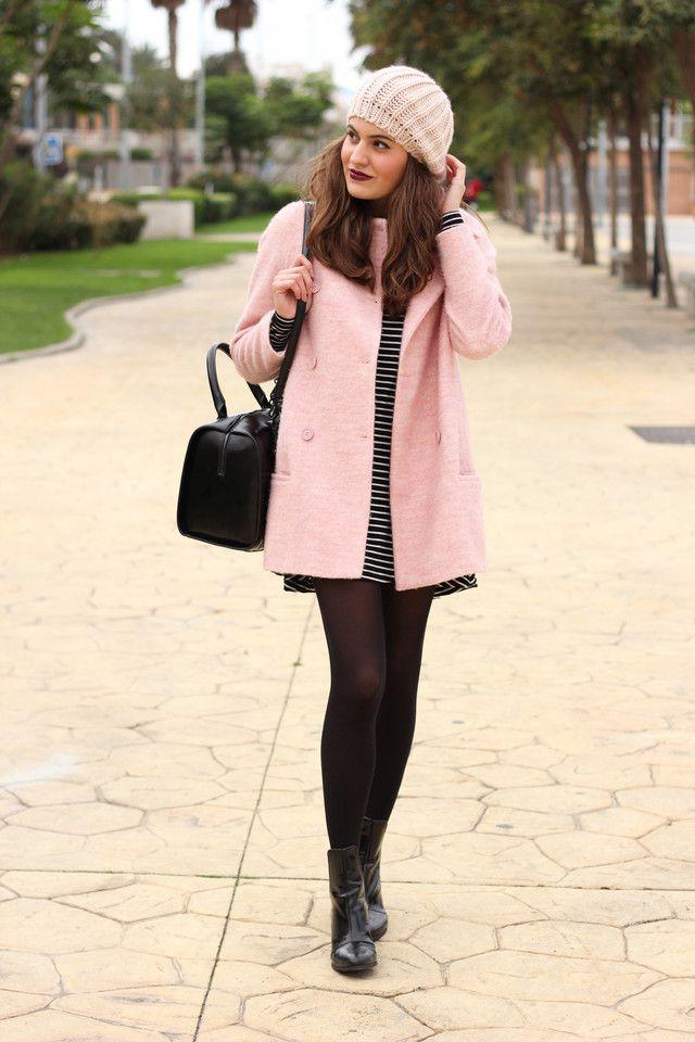 Abrigo rosa palo look