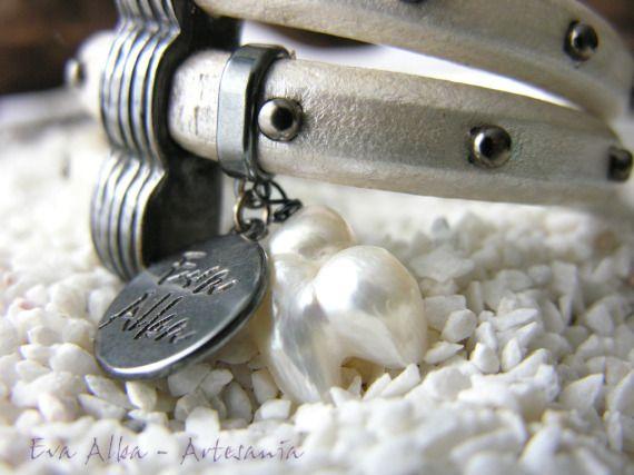 Pulsera espiral en regaliz perlado / Eva Alba - Artesanio