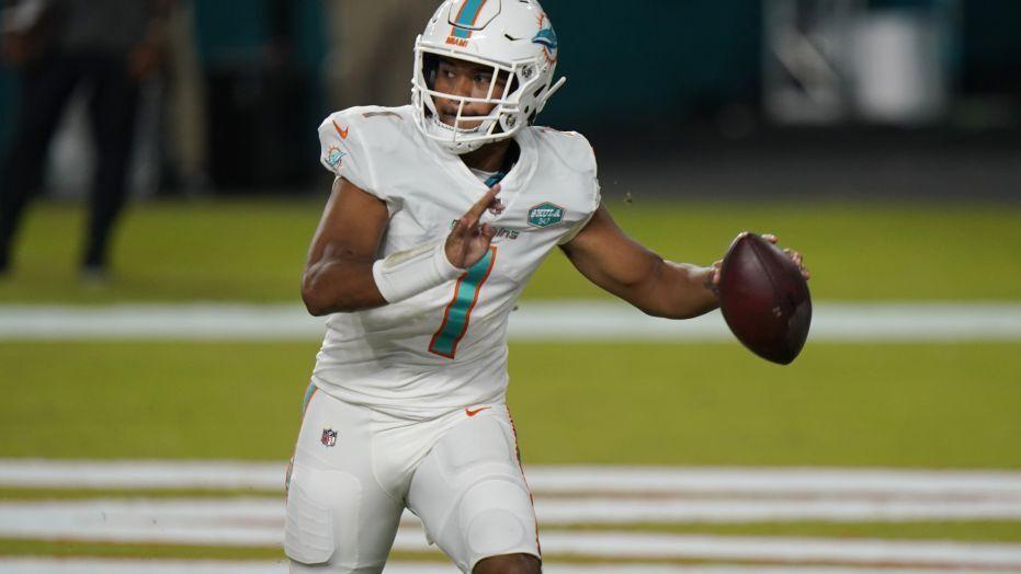 Tua Tagovailoa In 2020 Miami Dolphins Nfl Football