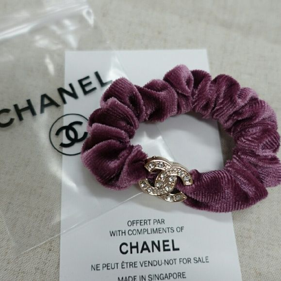 Crystal CHANEL Pink Scrunchies Hair tie wrist band CHANEL Authentic Hair  scrunchies ponytail holder.can 9f2702e9bdf