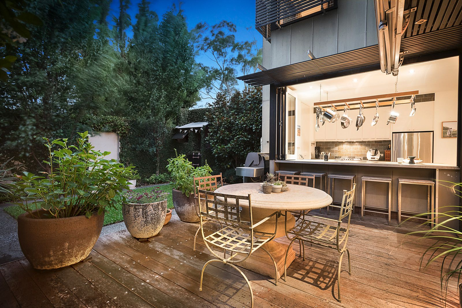 Property Report for 165 Nelson Road, South Melbourne VIC