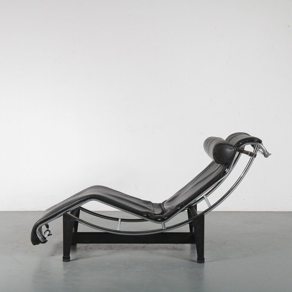 For Sale Lc4 Chaise Longue By Le Corbusier For Cassina Italy 1980 Vntg Vintage In 2020 Corbusier Furniture Geometric Furniture Le Corbusier