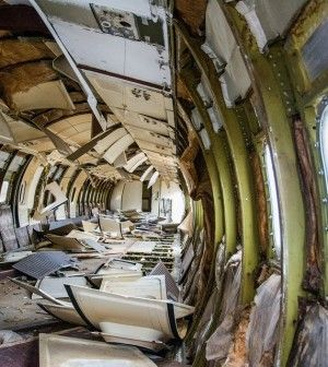 8 Tips To Surviving An Airplane Crash. #3 Seriously Surprised Us   http://www.thegoodsurvivalist.com/8-tips-to-surviving-an-airplane-crash/