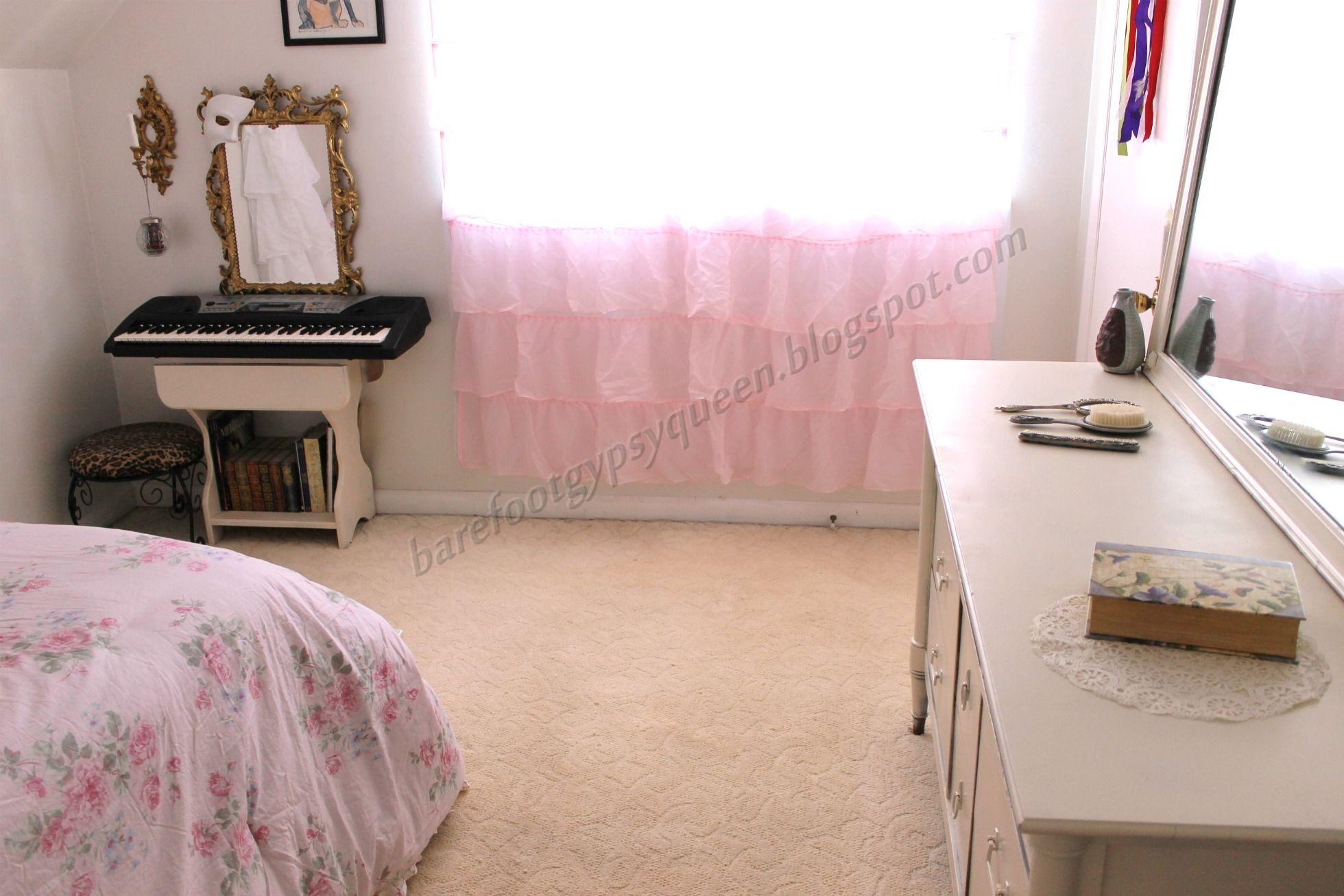 Lovely minimalist shabby chic bedroom - by Queen Werandra   Romantic ...