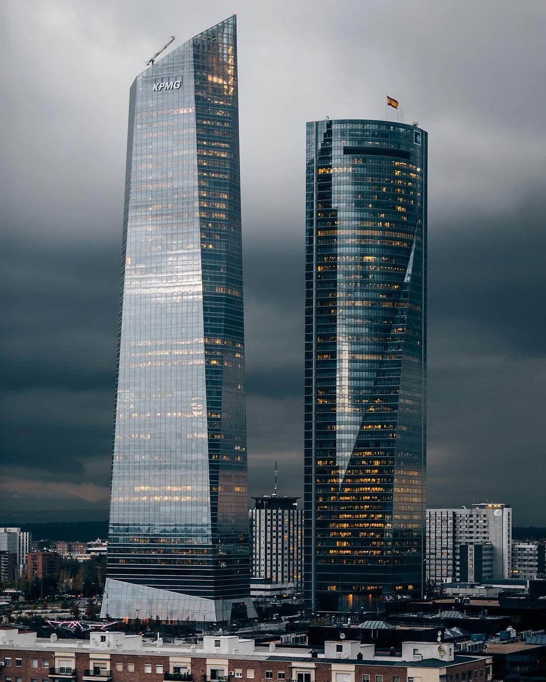 Alaccou Skyscraper Architecture Office Building Architecture Architecture Building