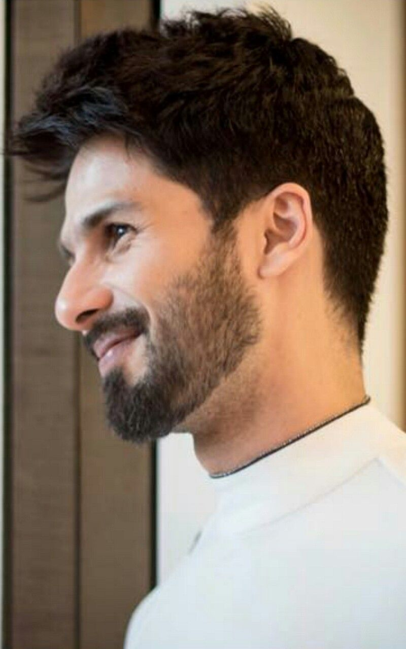 For More Follow Me As Anurag Holkar Shahid Kapoor 5 2 18 Mens Hairstyles With Beard Mens Hairstyles Hair And Beard Styles