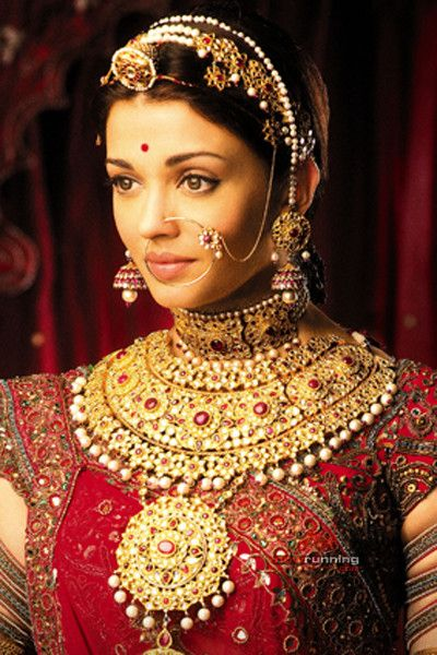 Aishwarya Rai in an absolute stunning Indian bridal wear. She is an icon for every bride. :)
