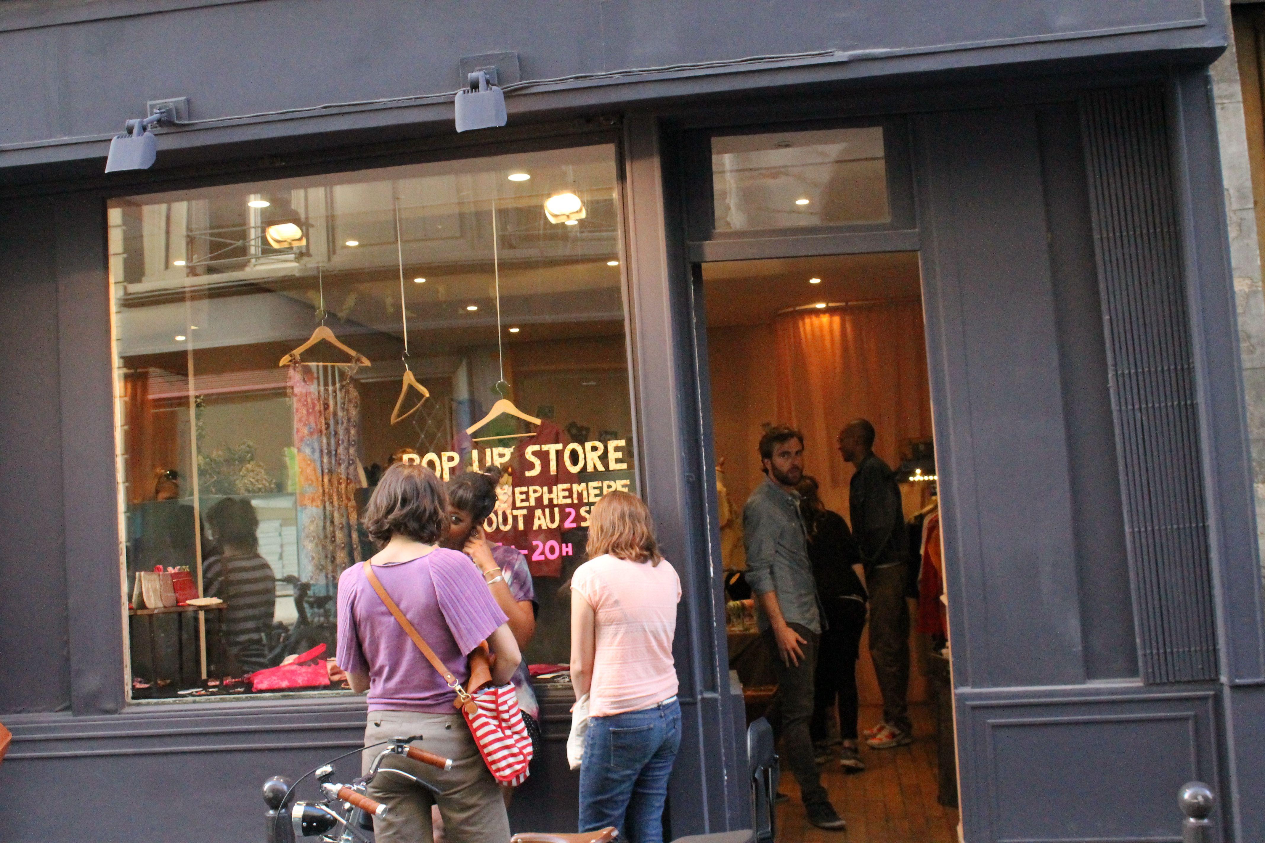 usa pas cher vente vente la moins chère magasin en ligne LE SENTIER : Le long de la rue d'Aboukir Paris, retrouvez ...