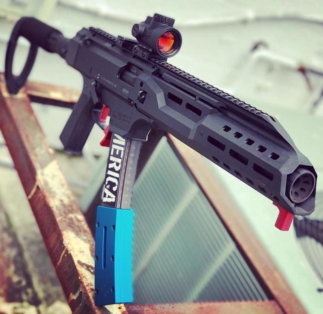 Pin by Zac Gore on Guns   Weapons guns, Guns, Submachine gun