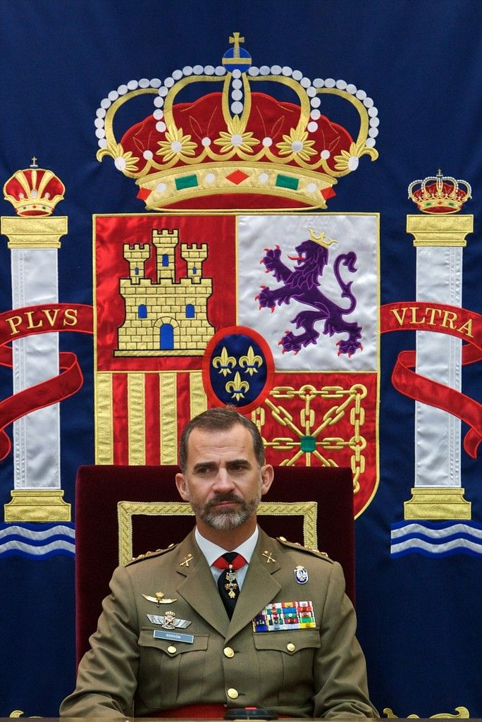King Felipe VI of Spain (L) attends the 50th anniversary of CESEDEN on October 30, 2014 in Madrid, Spain.