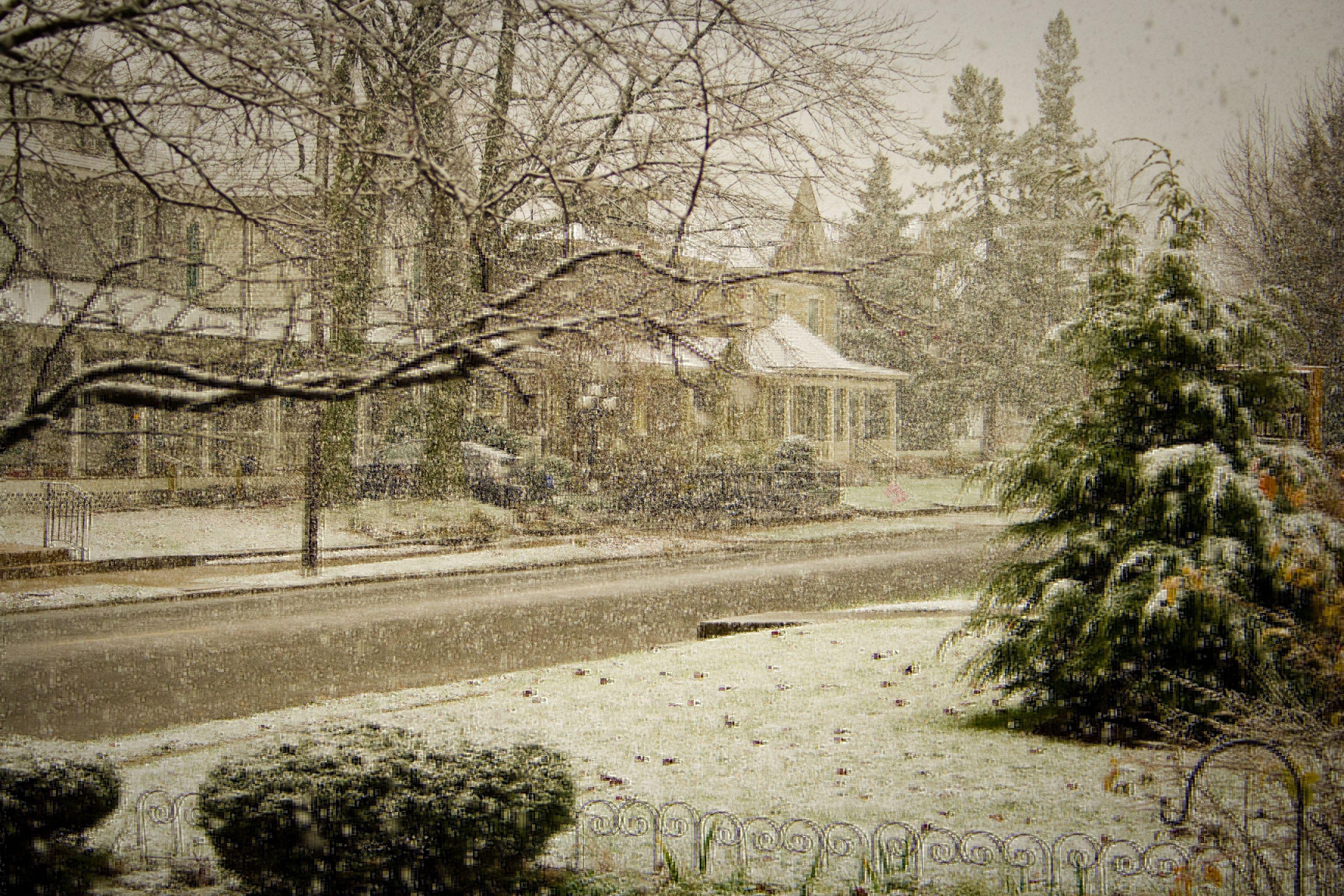 Snow falling in New Castle, IN