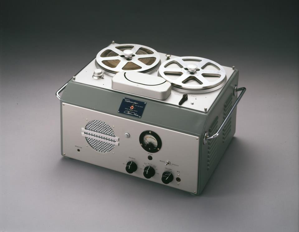 Nel maggio del 1950 lanciammo il G-Type, il primo registratore a nastro magnetico in Giappone.