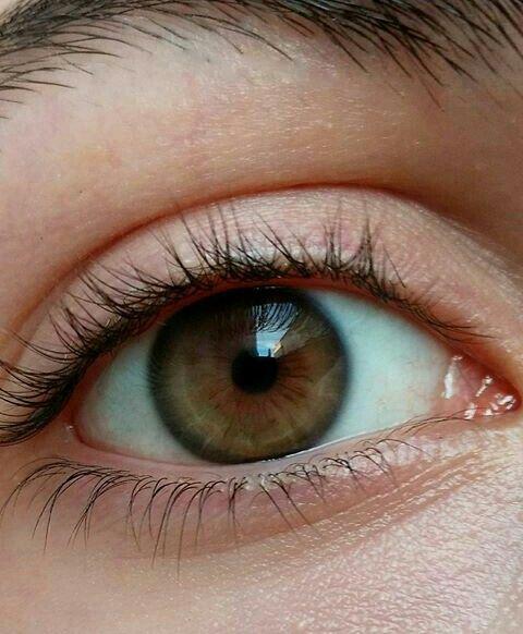прижимает светло-зелено-карие глаза картинка время имеется масса