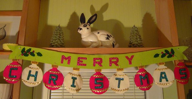 vintage felt Christmas sign by artgoodieshome, via Flickr