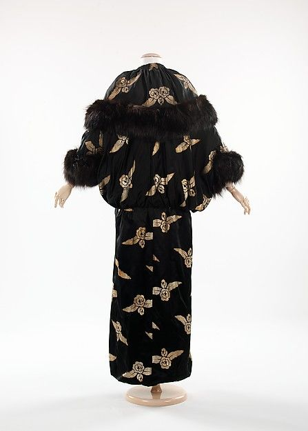 Evening coat (back view) | United States, 1910-1914 | Materials: silk, fur, metal | The Metropolitan Museum of Art, New York