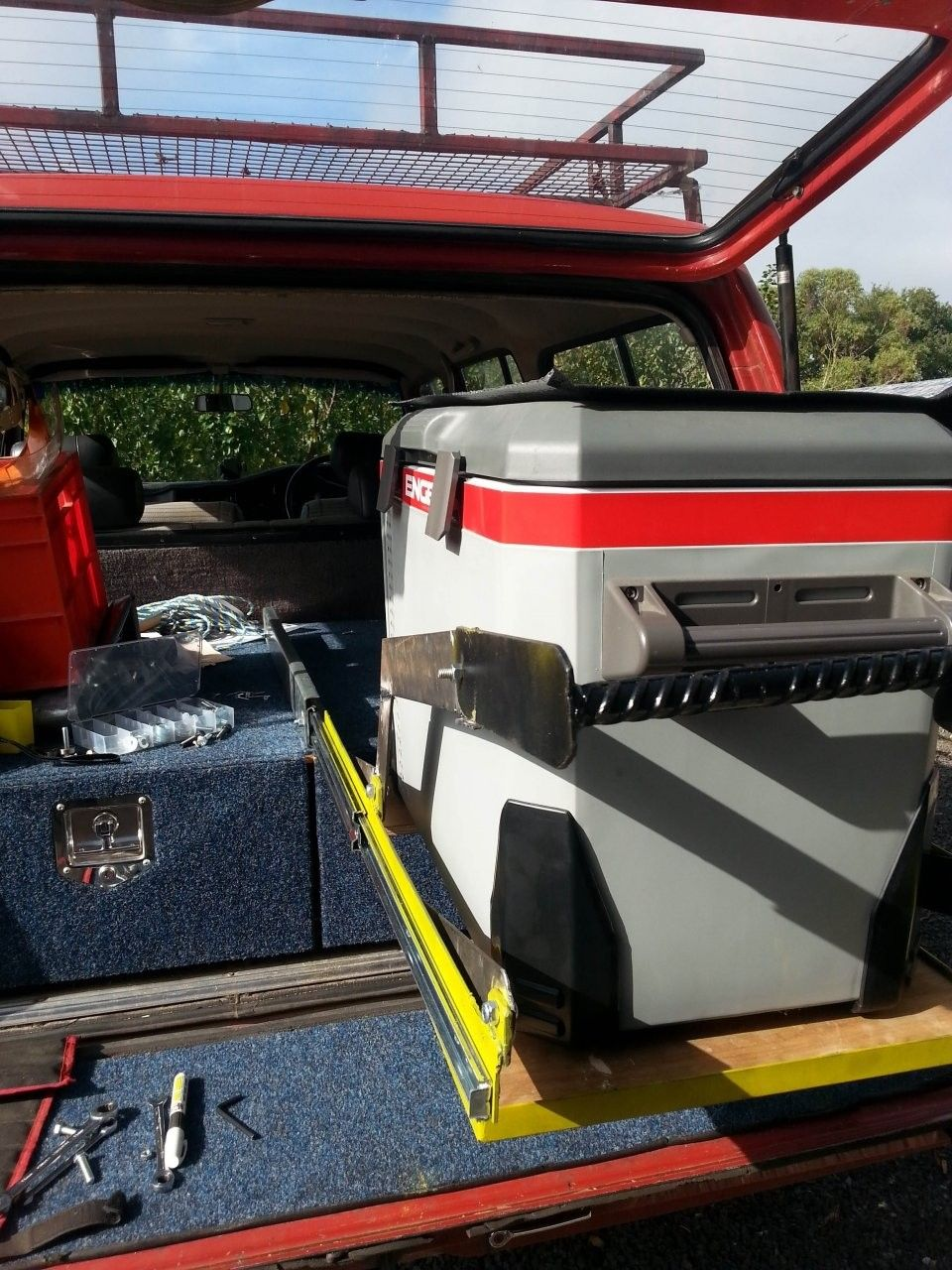 Pin by amuseink on Land Rover Cool slides, Truck bed