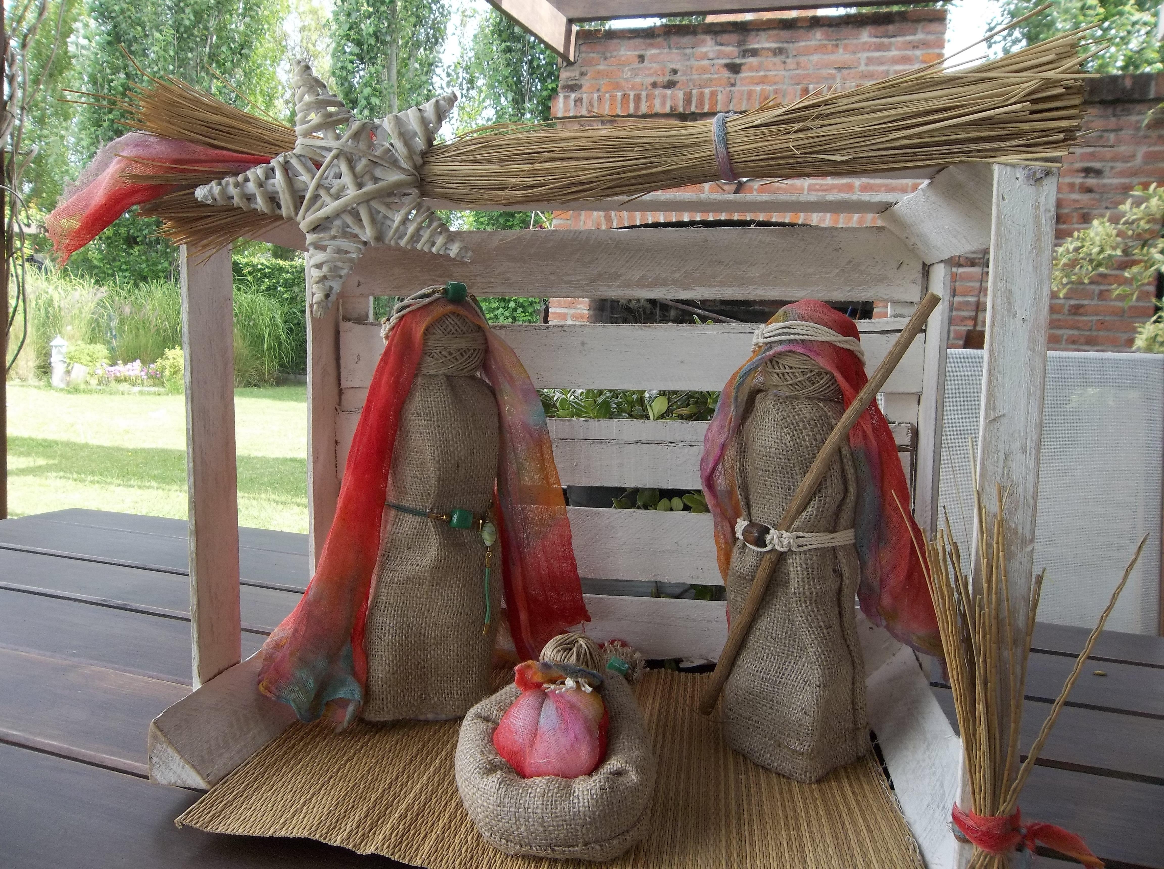 Pesebre navide o con materiales reciclados vereda for Adornos navidenos hechos con reciclaje