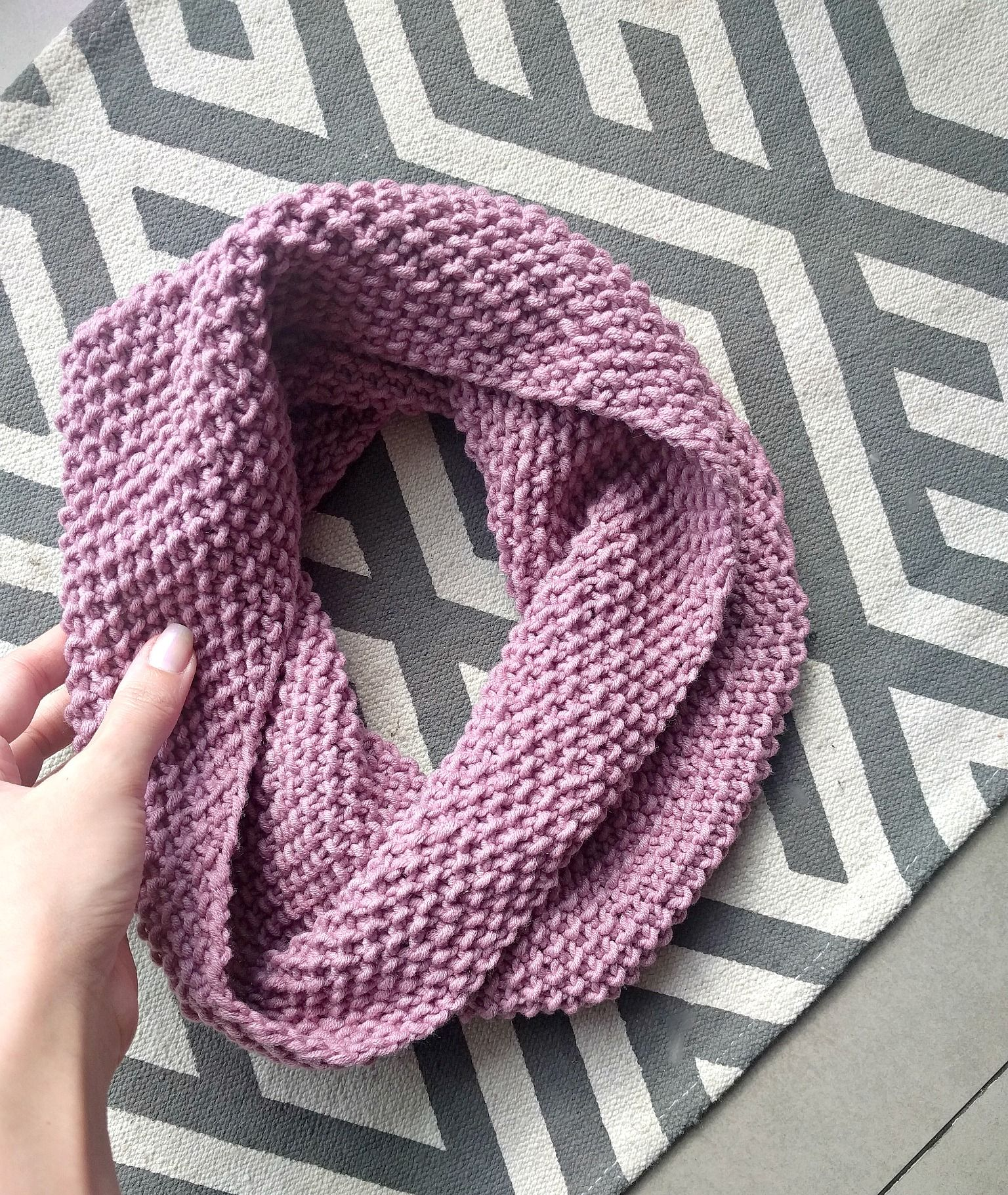 If you know how to knit and purl, you can make this scarf! Seed ...