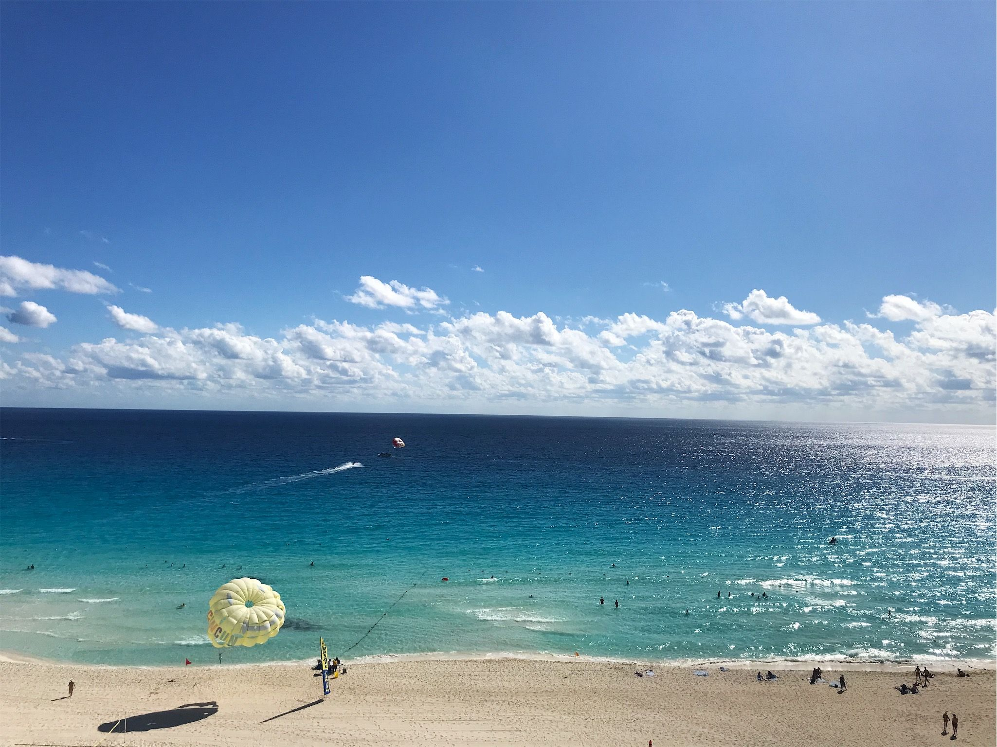 #cancun #thevine #bougie #boujee #parasailing #ocean #water #waves #beach #theplaya #sand #pictureperfect #clouds #views #vista #quintanaroo | meeklaa | VSCO
