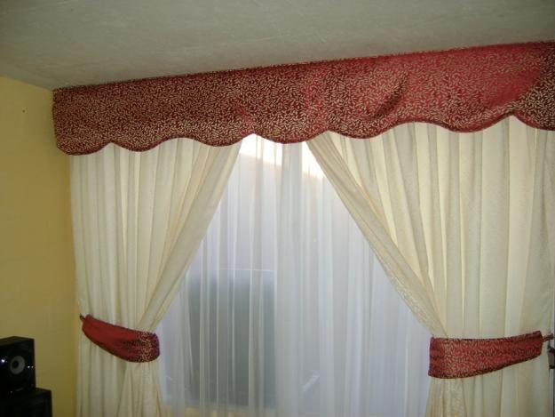 Cenefa lista sobrepuesta o tejida en los bordes de las for Cenefas para cortinas