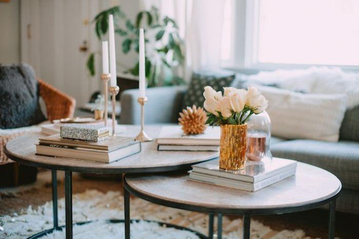 Schön Deko Ideen Für Einen 2 Tisch Set: Frische Weiße Blumen, Weiße Kerzen