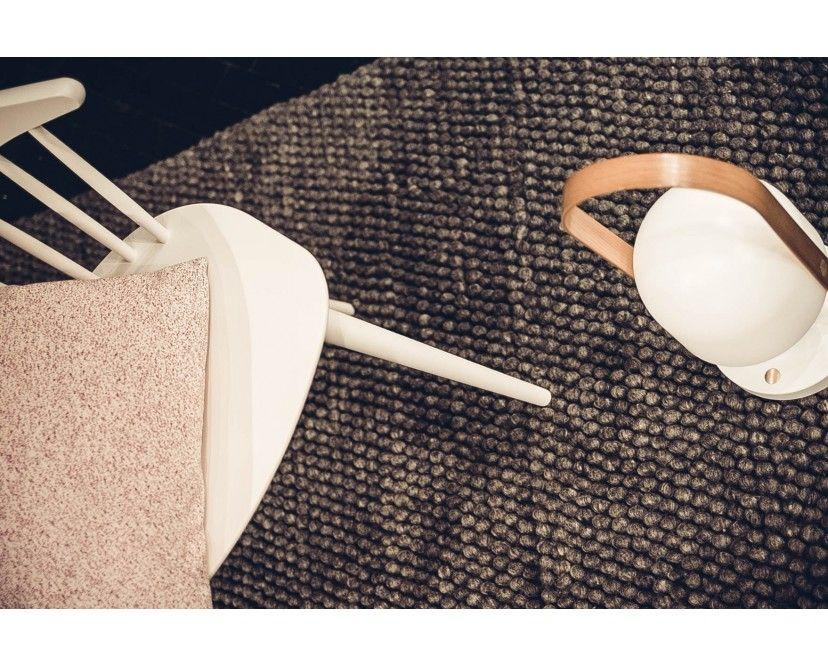 Die Peas Teppich Kollektion Wird Vom Dänischen Hersteller Hay Gefertigt Und  Besteht Aus 100% Wolle