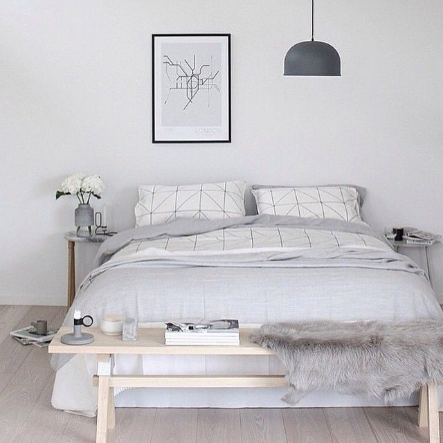 bench in front of bed | Minimalist Bedroom | Pinterest ...