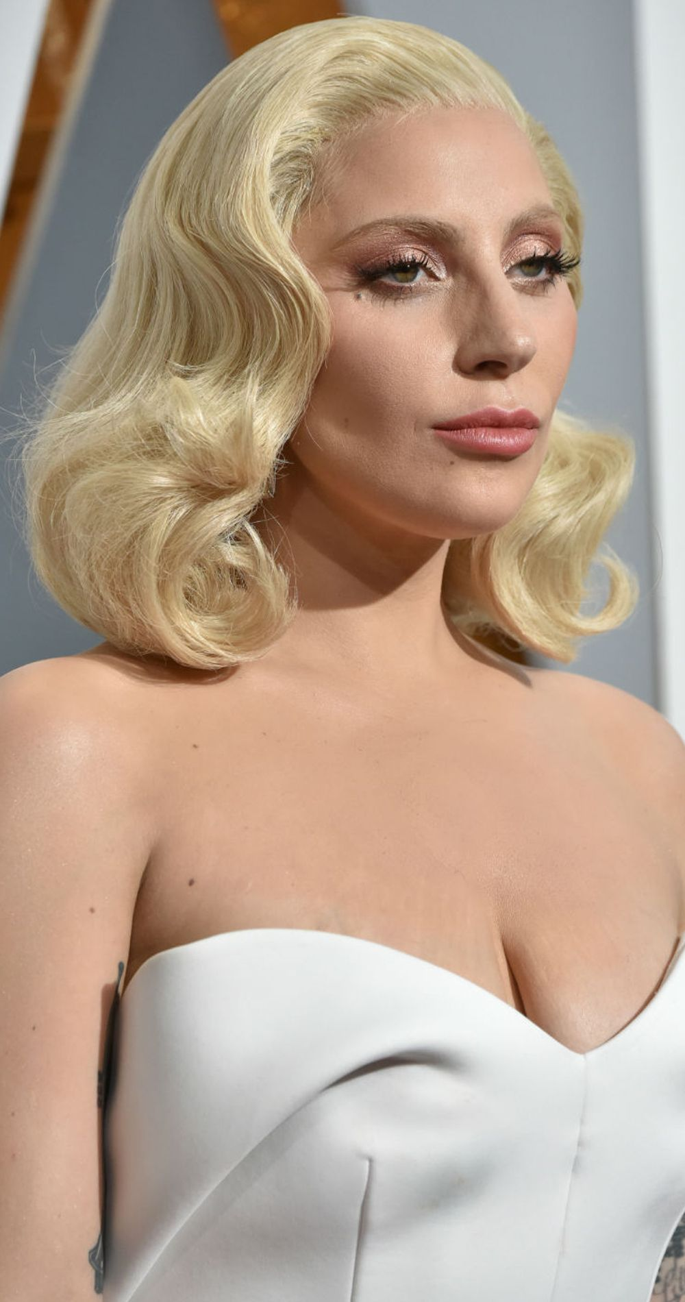 Oscars 2017: Best Hair And Beauty | Lady gaga dresses, Red ...