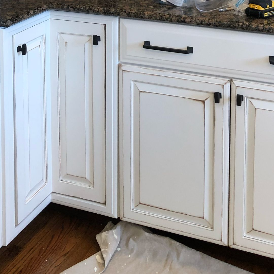 Hand Painted White Kitchen Cabinets Faux Distressed Accents Painted Treasures By Chelsea Paintedtreasuresbych Kitchen Cabinets Kitchen White Kitchen Cabinets