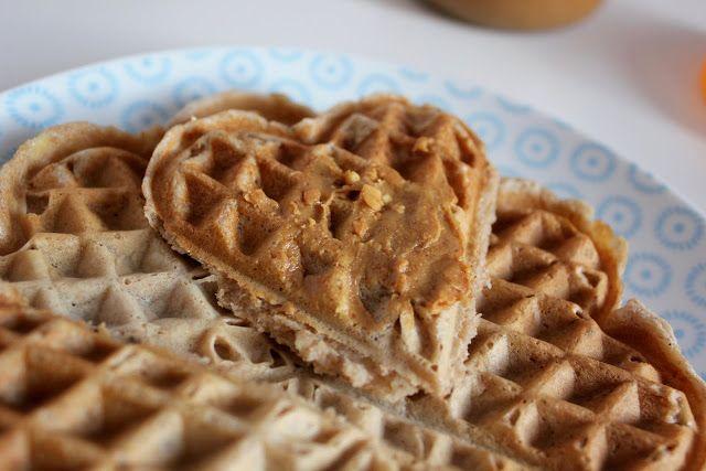Banana Spelt Waffles: egg free, no added sugar - Bananen-Dinkel-Waffel: ohne Eier, ohne Haushaltszucker
