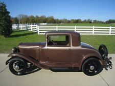 Plymouth: Other 32' Coupe