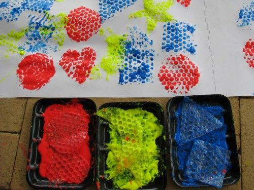 Bubble Wrap Painting - Learning Shapes (learning4kids)