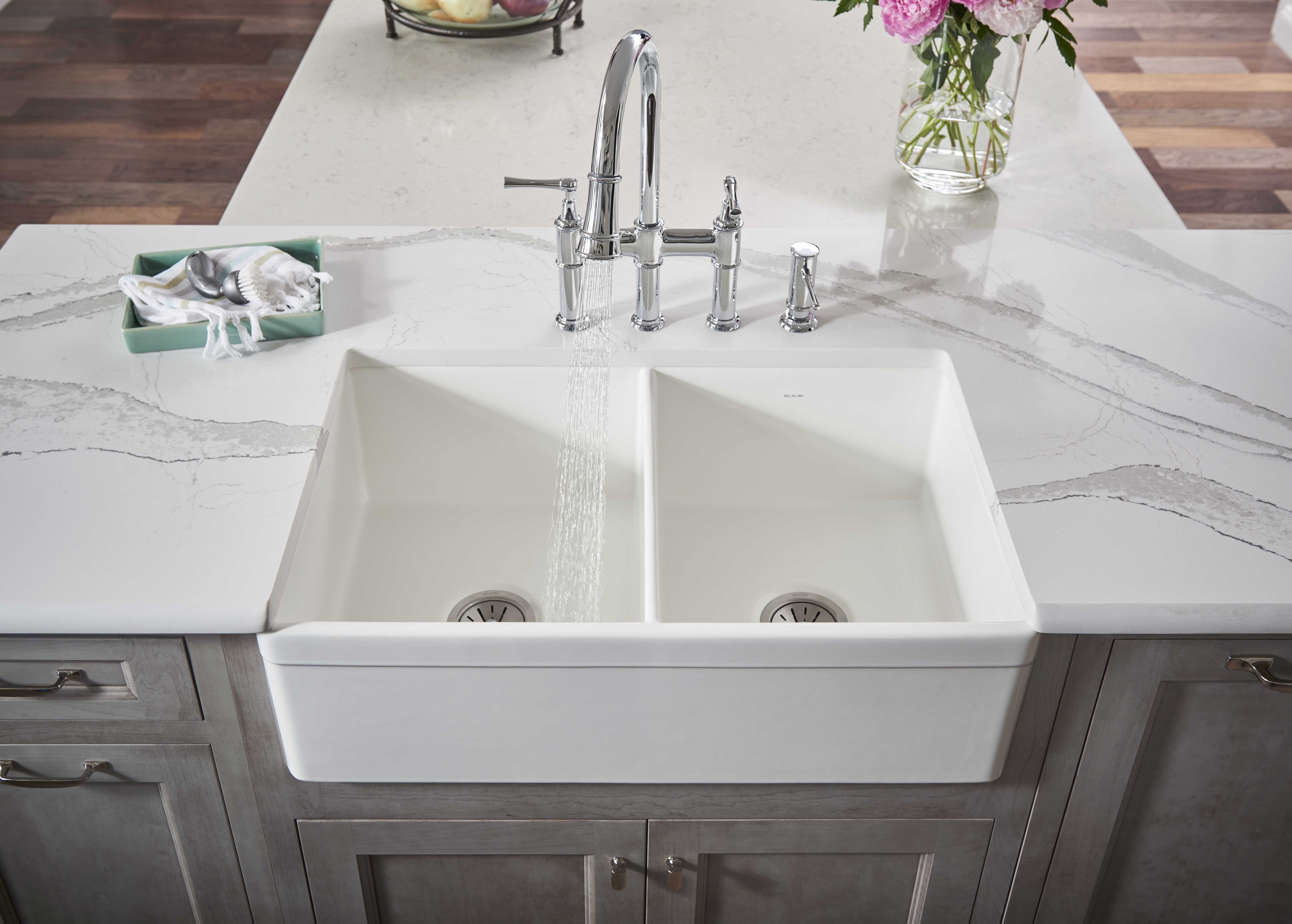 Sink Reveal At Counter Edge With Images Farmhouse Sink Kitchen