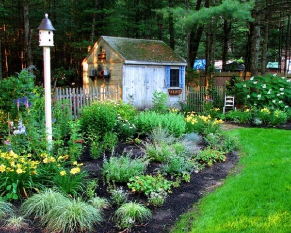 Minimalist patio cottage garden decorating how to create for Cottage garden ideas