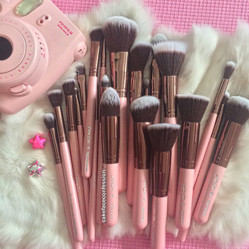 Luxie Lush Makeup Brushes. 50 off for Cyber Monday! You