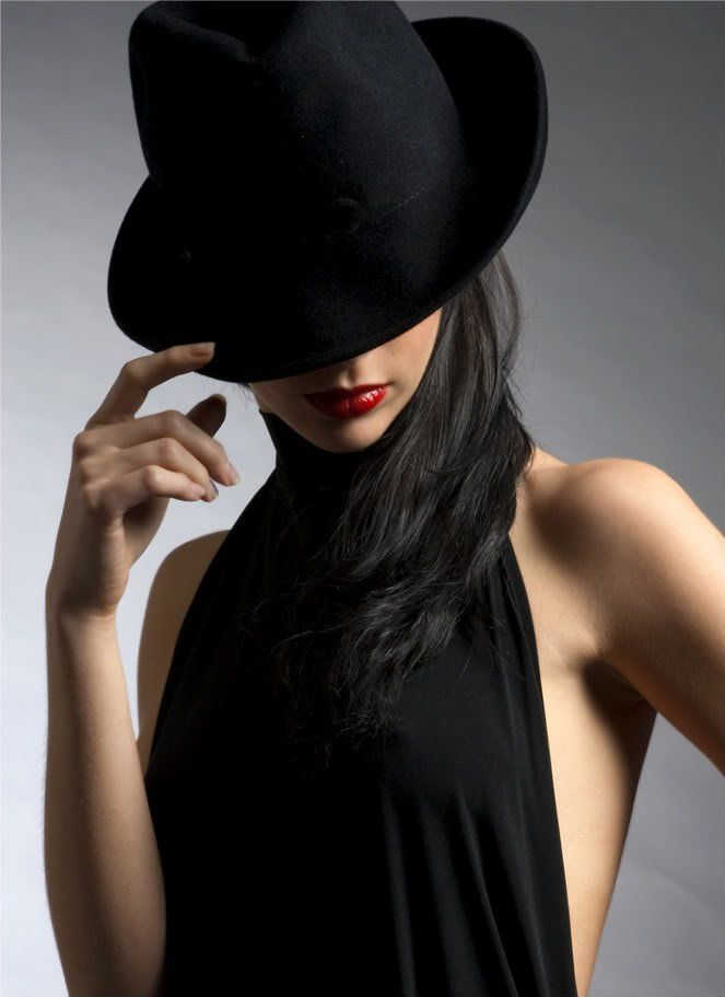 Картинки на аватарку женщина в шляпе