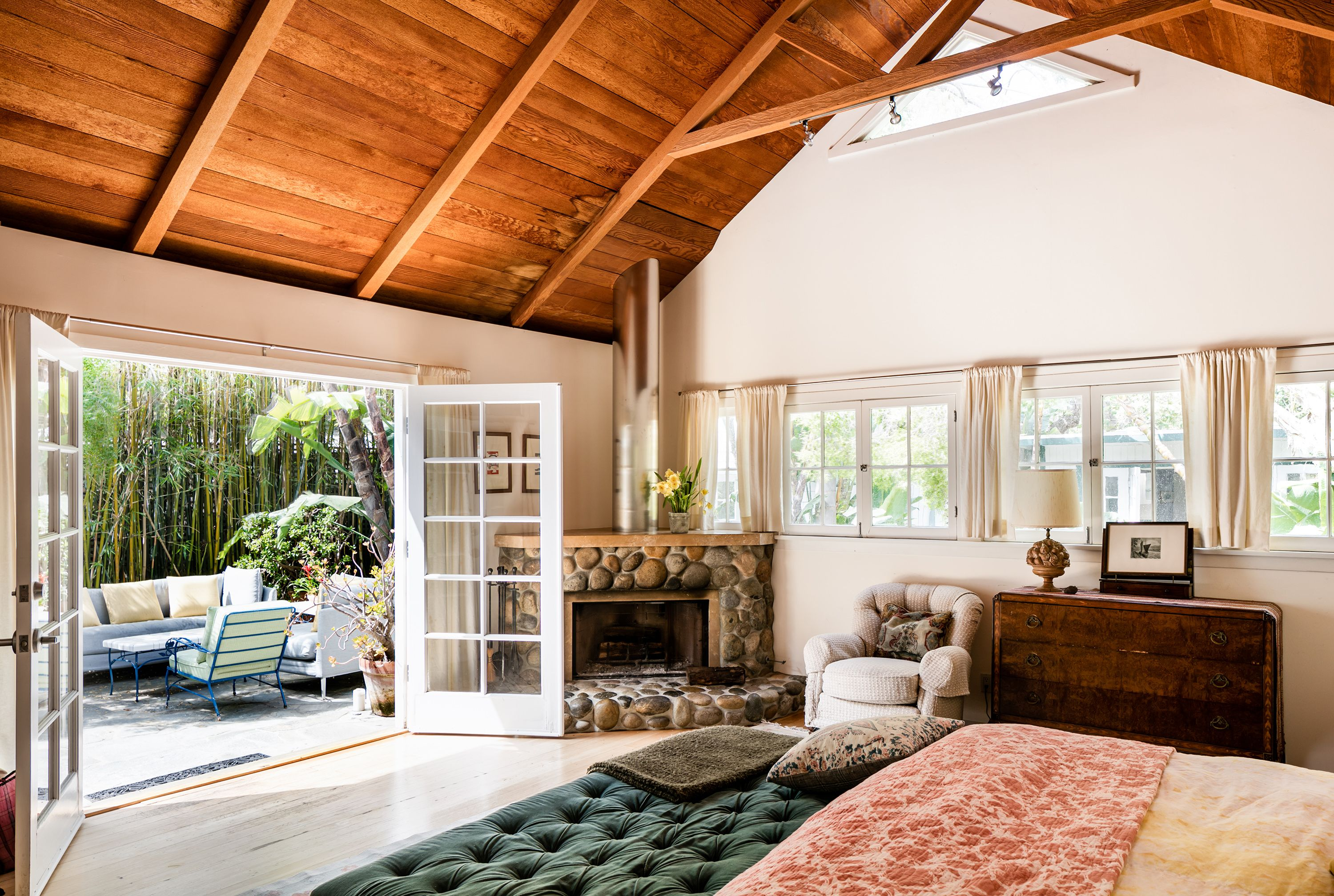 Stripped Down Santa Monica Cottage Asking 3 4m Small Cottage Interiors Santa Monica Houses Beautiful French Doors