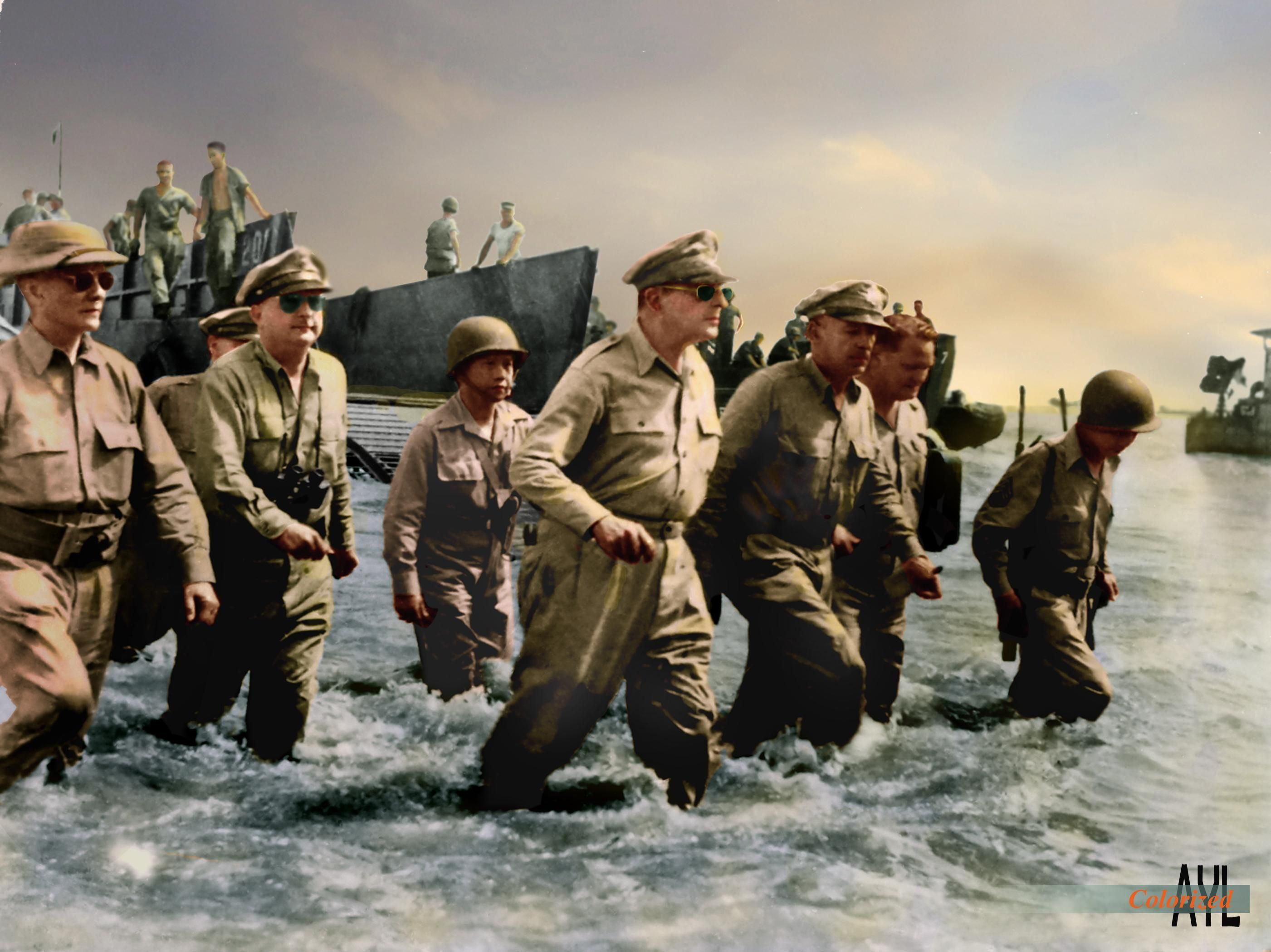 Colorized Gen Macarthur Landing In Leyte To Liberate The Philippines From Japanese Occupation 1945 Leyte Douglas Macarthur Photo