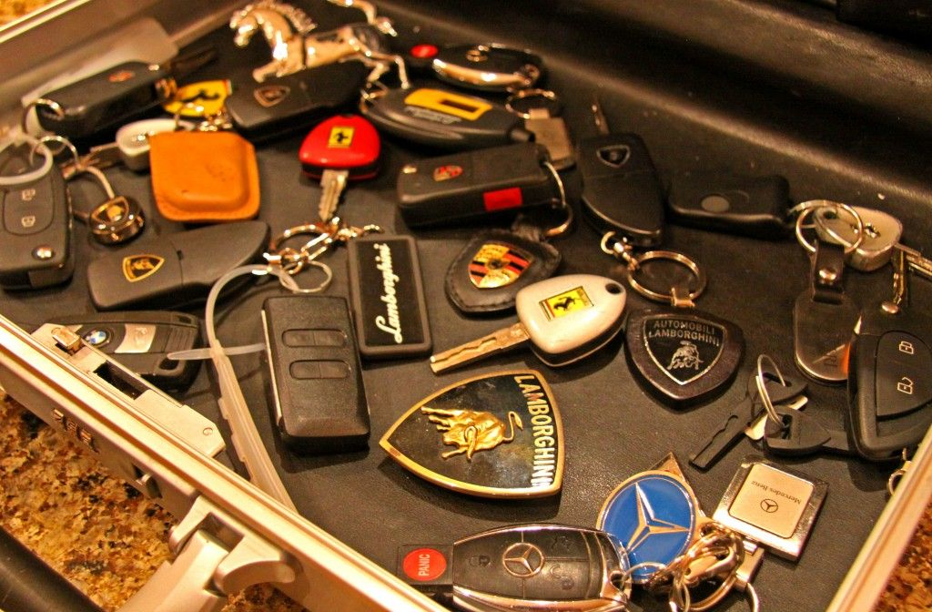 A Supercar Also Known As Exotic Car Is A Very Expensive And Fast - Sports cars keys