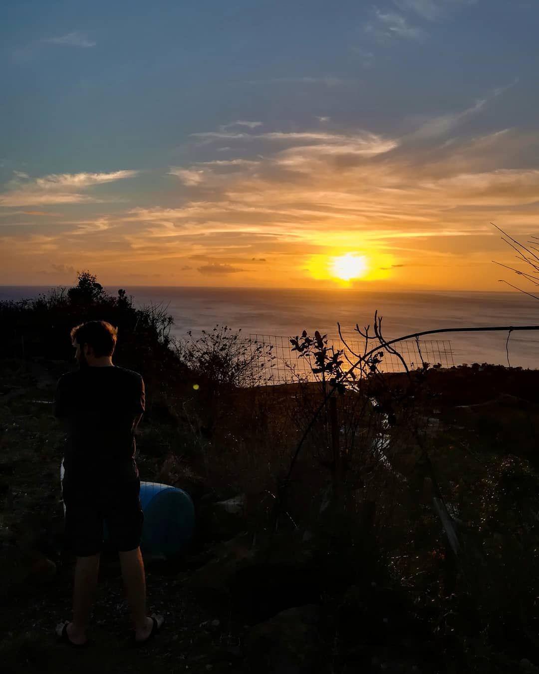 Abenteuerurlaub In Der Karibik Willkommen Auf Dominica The Nature Island Dieser Inselstaat Liegt In Den Kleinen Antillen I In 2020 Outdoor Celestial Sunset