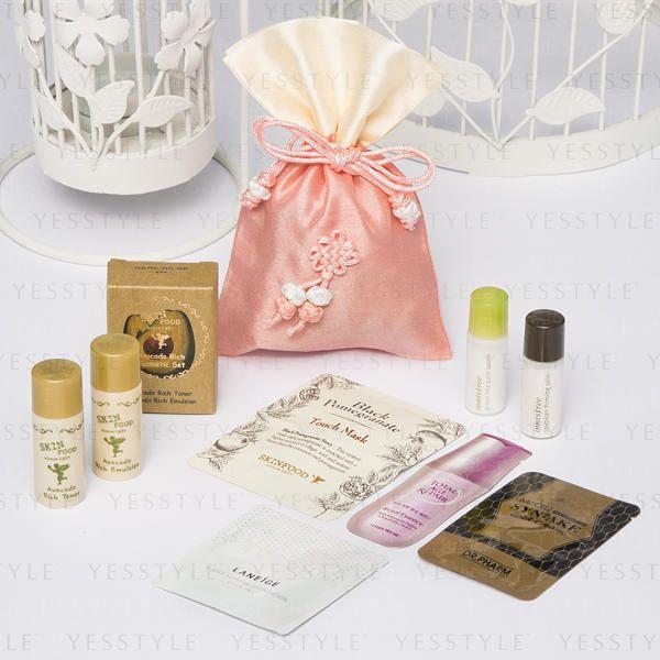 Korean Beauty Sample Starter Kit, 1 set (8 samples + 1 bag ...