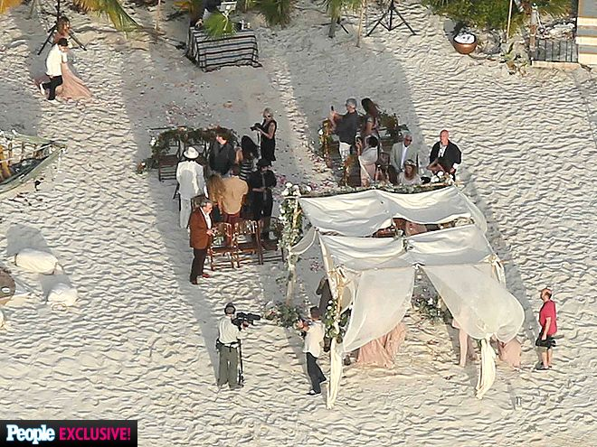 5 Reasons Johnny Depp S Wedding Will Make You Want To Get Married On An Island Johnny Depp And Amber Johnny Depp Johnny