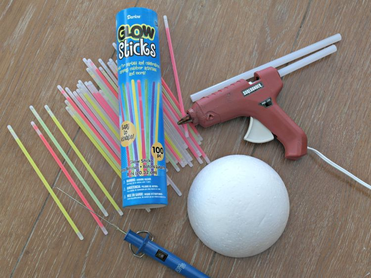 Glow In The Dark Glow Stick Centerpiece Glow Stick Party Glow Party Decorations Glow In Dark Party