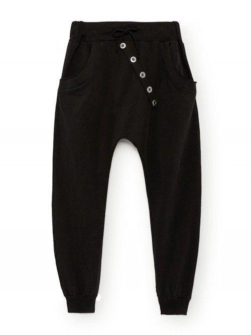 Joli survêtement chic noir pour femme made in italy. Jogging en coton noir coupe  sarouel 7453cf8fb64